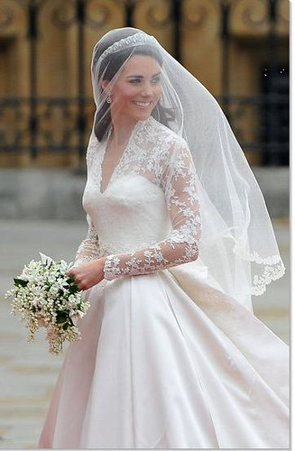Kate Middleton Veil Alexander McQueen dress Royal Wedding