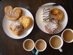 Friends for morning tea (Shanti, shanti) Tags: cakes tea pastries morningtea