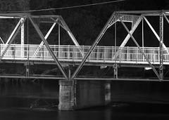 V (rexp2) Tags: bridge night river nikkormicro105mmf28 nikond300 afmicronikkor105mmf28 alienskinexposure2