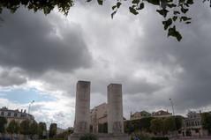 Versailles - Place de la Loi (scuzzilla) Tags: cloud paris france french nikon versailles prefecture hdr francais yvelines lechesnay d5100
