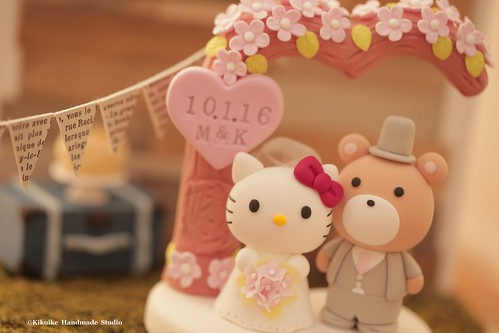 Hello Kitty And Bear With Love Tree Wedding Cake Topper