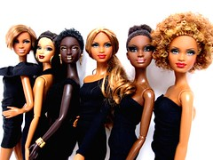 Mbili faces (Blythemaniaco) Tags: africa black face fashion de doll dress princess little south afro moda barbie 8 style walmart jeans sis mold princesa alvin exclusive basics picnik wal mart mueca ailey sudfrica mbili trichelle