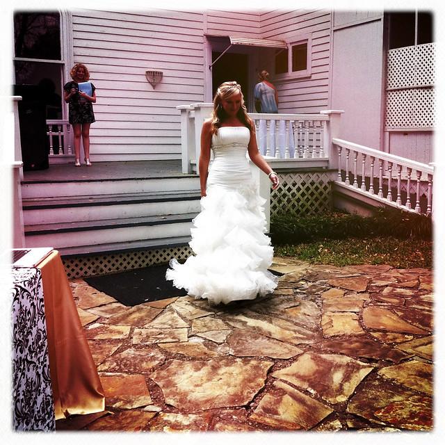 032711 Magnolia Manor Bridal Show-16