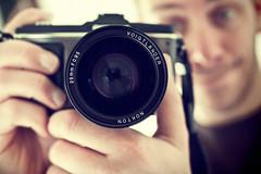 here we go... (patrickbraun.net) Tags: selfportrait cameraporn olympuspenep2 voigtlndernoktonmft25mmf095 penmirrorselfportrait