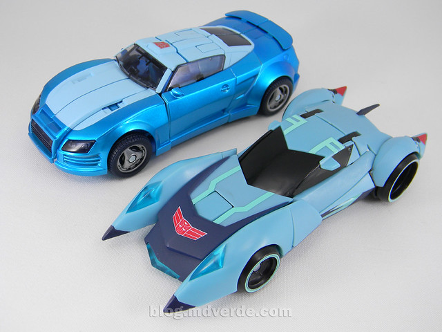 Transformers Blurr United Deluxe - modo alterno vs Animated