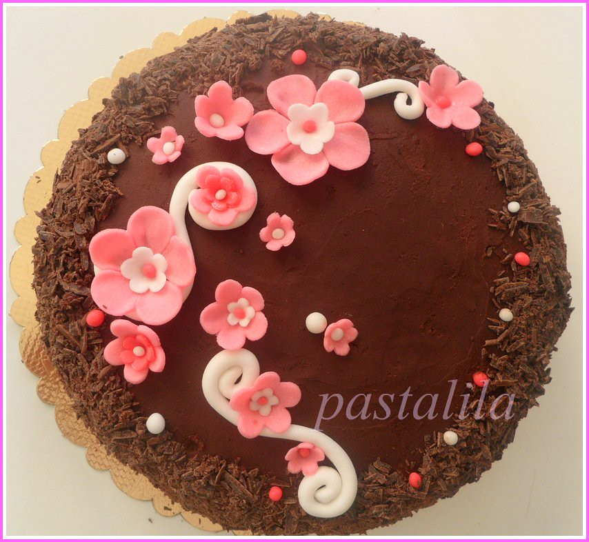 flowers on choclate cake
