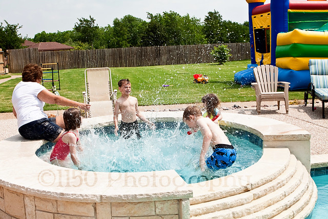 birthday party photography swimming splash
