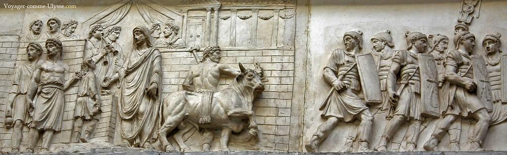 Bas relief, avec des légionnaires romains