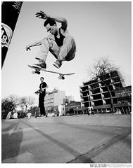 Esteban @ McCarren Skate Park (Will Star) Tags: brooklyn skateboarding mccarrenpark greenpoint streetshooting 163528 5dmarkii