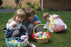Vivianne, Isabel and Lilah (Easter Egg Hunt 2011)