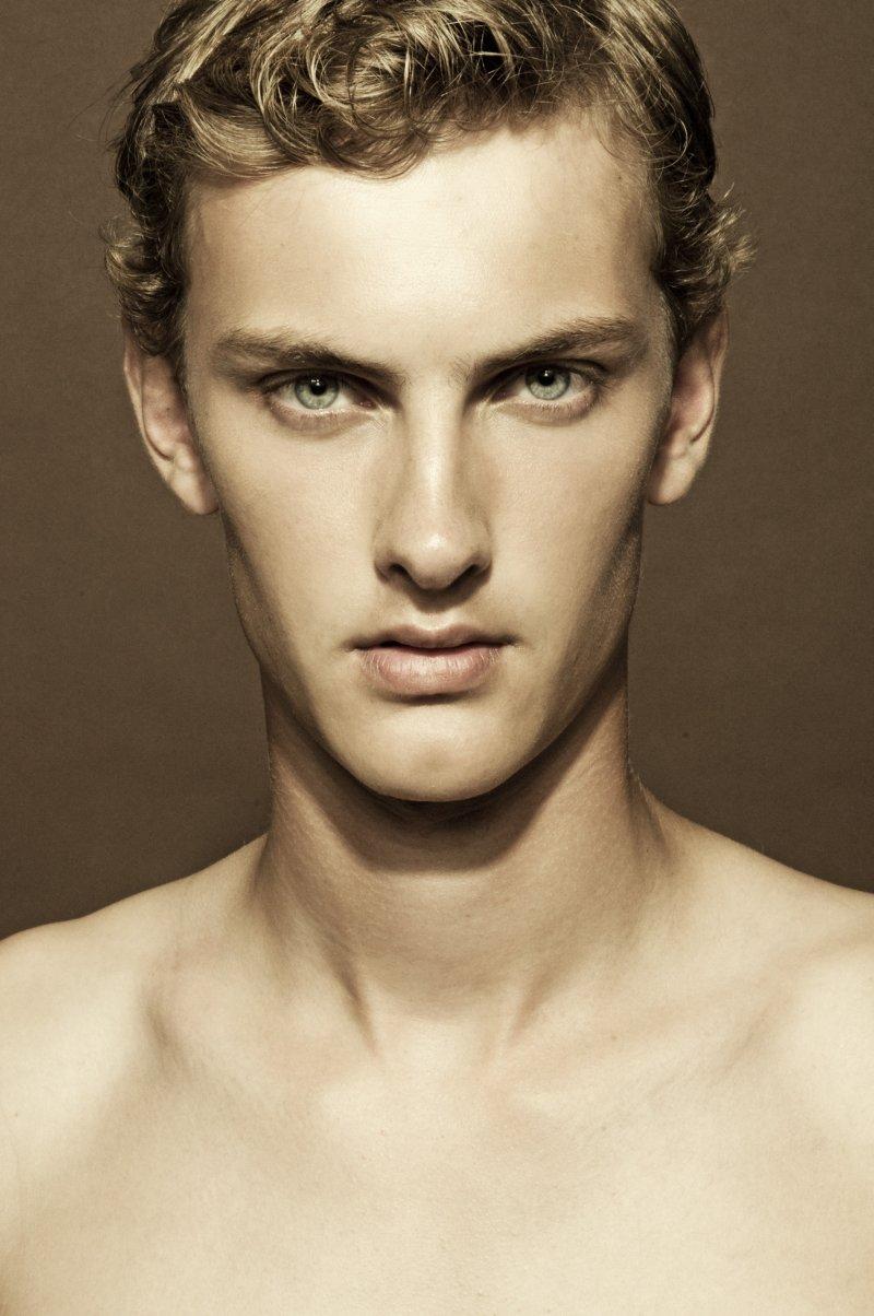Pieter-Paul Huisman0001_Ph Dale Grant(Fashionisto)