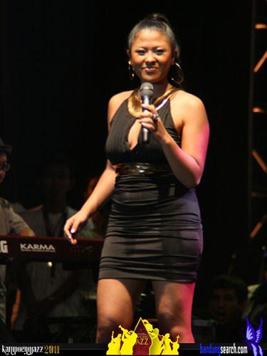 kampoeng-jazz-2011-Dira-Sugandi-(1)