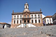 Praa Tiradentes - Ouro Preto (Orgpires) Tags: minasgerais luz nikon mg tiradentes monumentos belohorizonte festa cultura passeio histria ouropreto bh igrejas aleijadinho d90 orgpires