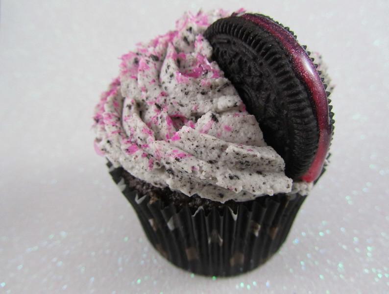 pink oreo and pink margarita cupcakes