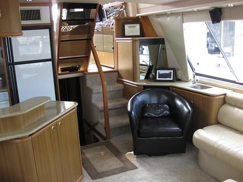 2002 Bayliner 4788 Pilothouse Yacht, $300000 Cabin