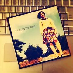 「I could be free」原田知世、ブックオフで見かけて手に入れたもの。Tore Johansson ってところが、今日の気分にぴったし( ´ ▽ ` )ノ