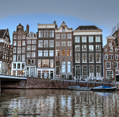 Amsterdam (DiGitALGoLD) Tags: adam amsterdam canalboat canalhouse 2470mm singelcanal gitzotripod amsterdamcanal bwcircularpolarizer nikond3 digitalgold herengrachtcanal keizergrachtcanal
