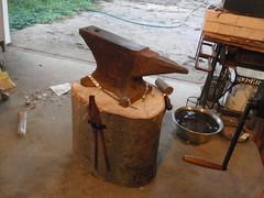 roy's stump back (Vagabond Jewelry (Kest)) Tags: roy studio stump tada anvil 2011 147365 tada365 tada2011