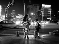 the crossing conversation (jobarracuda) Tags: china lumix student crossing pedestrian motherandson pedxing fz50 dongguan jobarracuda jojopensica pensica