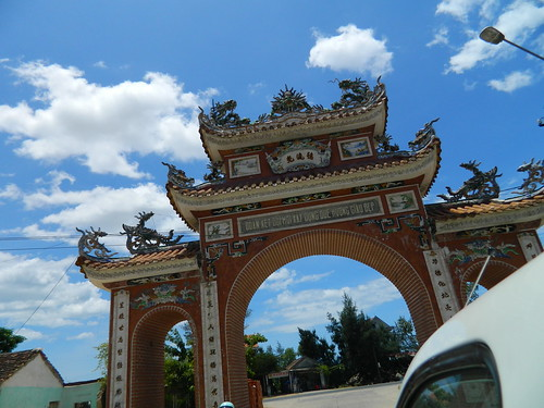 Quang Thuan commune gate