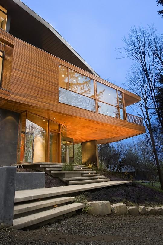 hoke-house-front-door