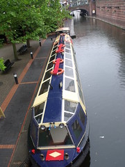 Sherborne Wharf Birmingham - narrowboats - Brindley Place (ell brown) Tags: greatbritain bridge england rain birmingham footbridge unitedkingdom canals watersedge raining icc westmidlands narrowboat brindleyplace narrowboats armedforcesday raindroplets internationalconventioncentre stpetersplace thewatersedge broadstreettunnel sherbornewharf brewmastersbridge bcnmainline birminghamcanalnavigationsmainline sherbornewharfbirmingham sherbornewharfheritagenarrowboats