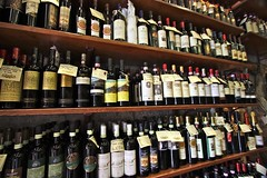 Lots of Vino, and we tried them all... (Guido Havelaar) Tags: italien florence italia chianti siena assisi cortona italie 意大利 bellaitalia италия italiantourism italiaturismo turismoitaliano