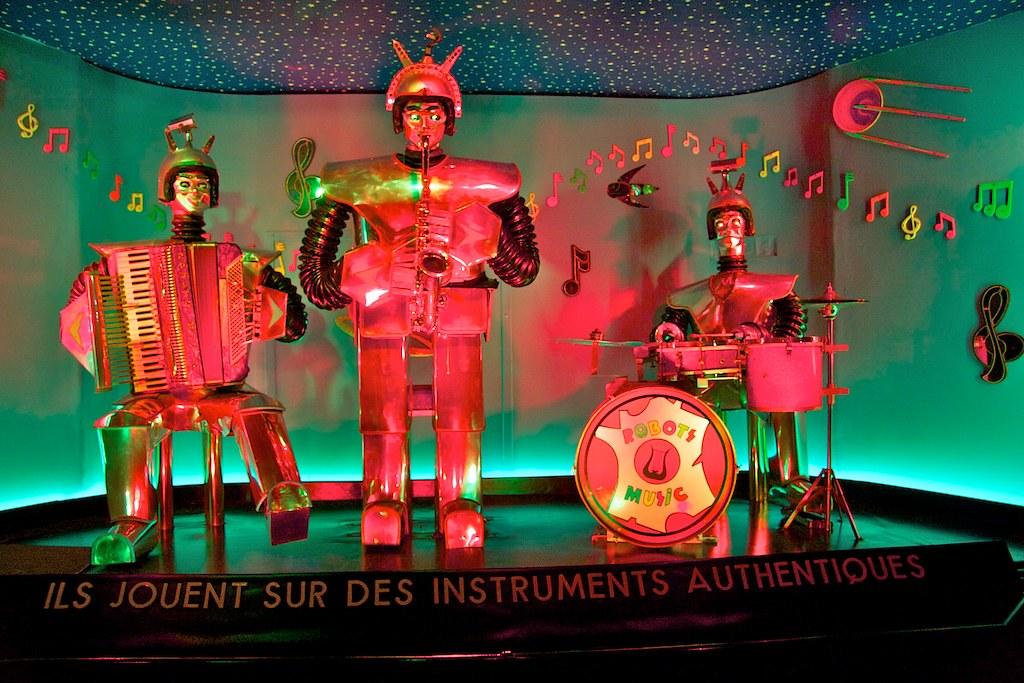 Robots Music; copyright 2007: Georg Berg