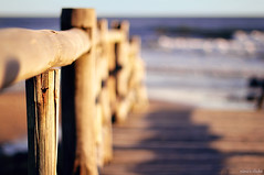 To the sea (ninasclicks) Tags: wood sea beach fence playa hff happyfencefriday ninasclickstumblrcom