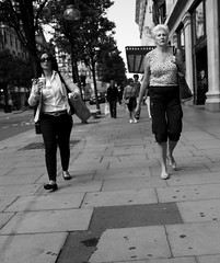 The first at the Office wins a fresh coffee :-) (Pierre Mallien) Tags: street people urban bw london girl fashion race work canon shopping eos office spring raw pierre candid pit blond jungle oxford londres metropolis streetphoto monday rue mode job lundi londonist originaliphoto rawstreet pitvanmeeffe mallien pierremallien lemeilleurphotographedemariagedebelgique