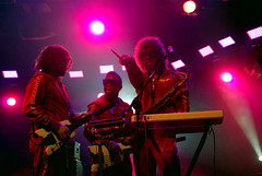 DATAROCK / LOLLAPALOOZA (CHICA DE METAL) Tags: musica envivo vainilla datarock nikond80 ceciliasandoval chicademetal lollapaloozachile 2deabril2011