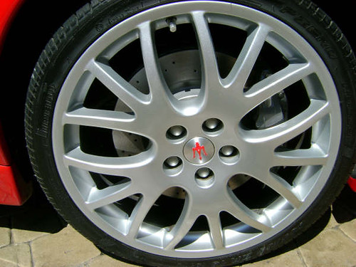 Maserati Wheel | Maserati Wheel After | Maserati Wheel Refinishing | Alloy Wheel Refinshing | Maserati Wheel Refinishing Services