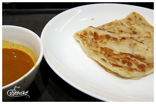roti prata with curry dip