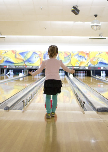 bowling_chloe_02