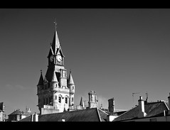 City Skyline (_K5_0313) ([Rossco]:[www.rgstrachan.com]) Tags: city roof sky sun clock monochrome french scotland rooftops fife copper infrared chateau chambers chimneys dunfermline baronial
