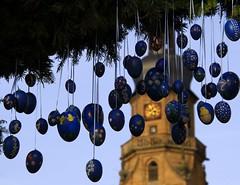 (:Linda:) Tags: blue germany easter bavaria town franconia clocktower handpainted blau ostern easteregg osterdekoration osterei easterdecoration schiefer osterzeit osterbrunnen badknigshofen grabfeld handbemalt