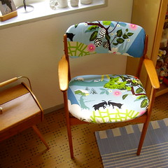 Restyle of a danish chair... (*Pppilottchen aka dollily*) Tags: ikea 60s fabric armchair teak 60er stoff danishdesign restyle newcover oddense dnischesdesign neuerbezug erikbuck armlehnstuhl maskinsnedkeri annamoablue annamoablau odmbler