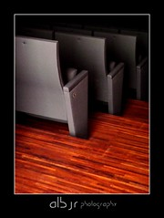 Butacas (Alberto Jiménez Rey) Tags: color miguel teatro photography la parquet sony cybershot cine medina fotografia alvarez asientos sillones sidonia butacas descubriendo contrastre mihura dsct200 albjr mygearandme albjr7