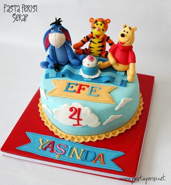 winnie the pooh cake - EFE