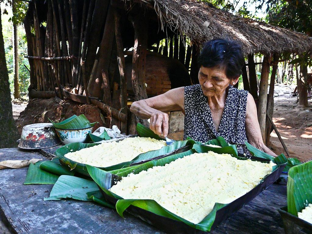 Preparando chipa guasu en el campo Foto de Abriles_ en Flickr