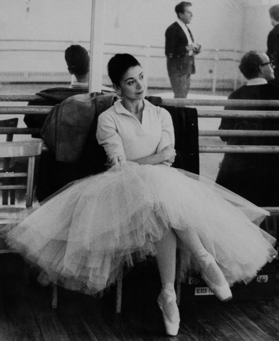 3 Ballerina - Margot Fonteyn2 - royal ballet - ballerinagallery.com