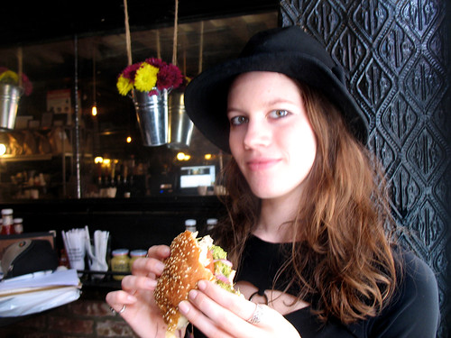 black_iron_burger_photo_05