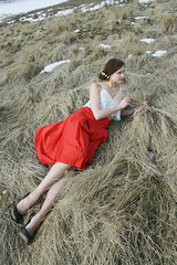 (Javertime) Tags: red white field emily canoneosrebelxs javertime