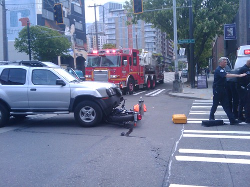 SUV vs Motorcycle @ South Lake Union by Xymon