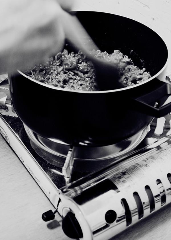 campstove gnocchi_cooking