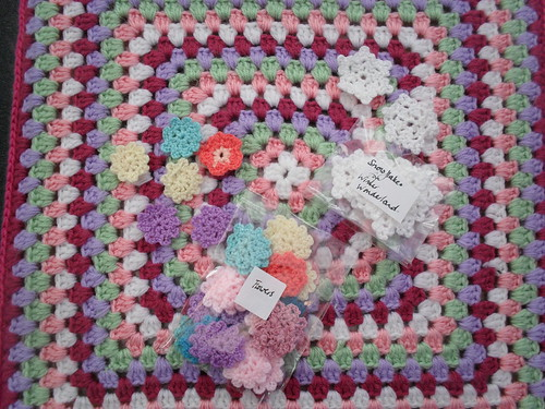 Enclosed with Chalky 75's Squares were two little bags full of 'Flowers' and 'Snowflakes' for our 'Winter Wonderlnd' Challenge They are so pretty, beautiful colours and so...delicate!.