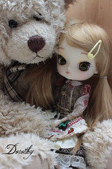 Dorothy loves her teddy (Valrie Busymum) Tags: doll dal pullip rewigged dotori rechipped