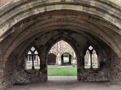 Cleeve Abbey Chapter House (tvordj) Tags: ruins framed arches devon thumbsup bigmomma gamewinner cleeveabbey pregamewinner