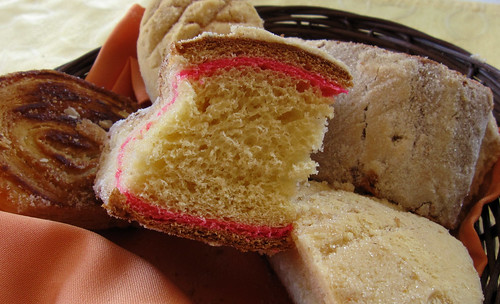 """Dulce pan 01 • <a style=""""font-size:0.8em;"""" href=""""http://www.flickr.com/photos/30735181@N00/5777085652/"""" target=""""_blank"""">View on Flickr</a>"""