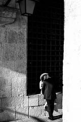Love in Venice (Zimeoni) Tags: romantic venezia venice love minimalistic composition black white travel street streetphotography